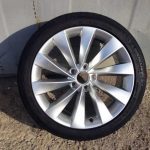 Оригинальные колесные диски с резиной Interlagos